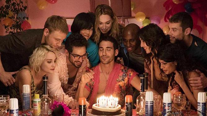 sense8で感応者たちが勝手に寄ってきて大人数になった誕生パーティー