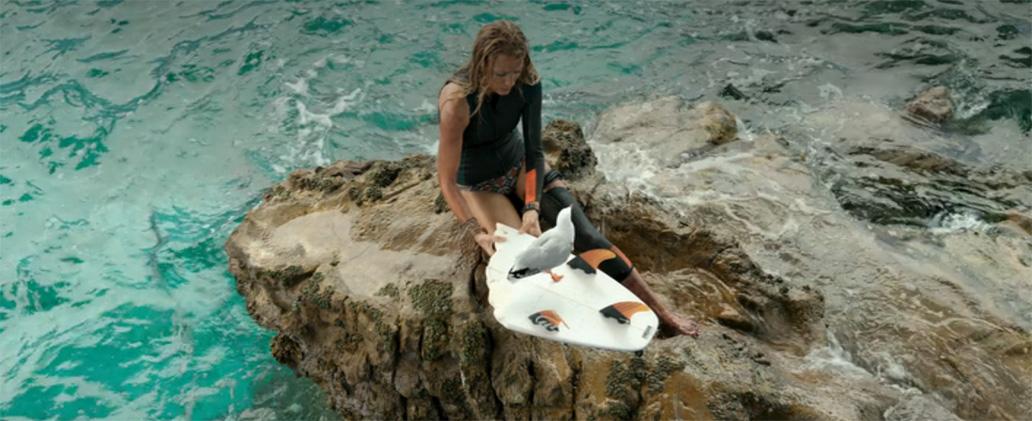 【80点】サメに襲われ岩の上で孤立…「ロストバケーション」【評価と感想】