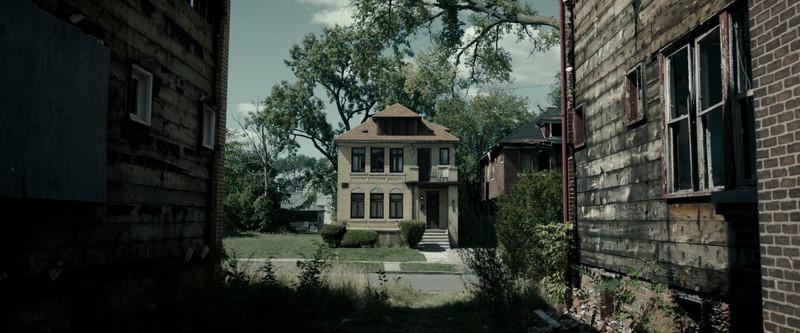 盲目老人の家