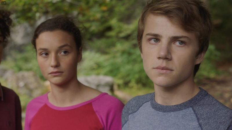 【80点】Netflix独占「ル・シャレー 離れた13人」評価と感想、考察:子供ジュリアン(右の男の子)