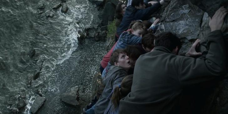 【80点】Netflix「7月22日(原題:22 July)」感想。重い名作:崖のギリギリのところに掴まり隠れる