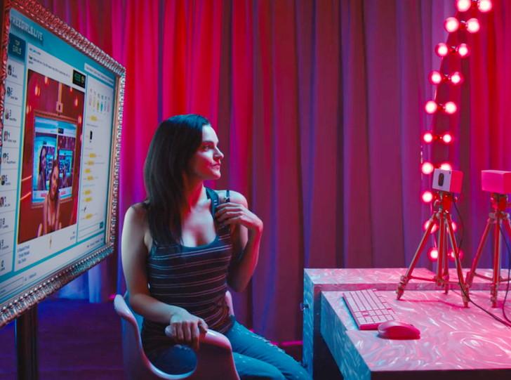 【Netflix・映画感想】「カムガール」の魅力4個。チャットレディアカウントが盗難されて…