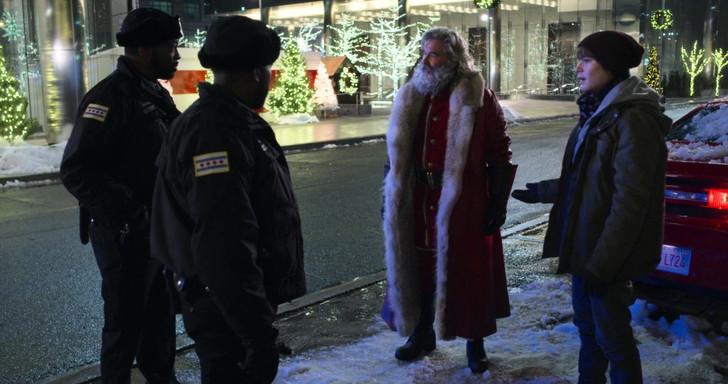 クリスマス・クロニクル:車の窃盗容疑によりご用となるサンタさん