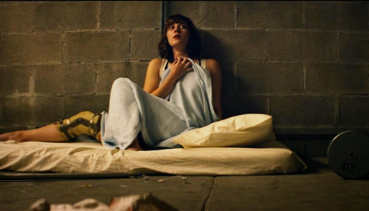 【感想】「10クローバーフィールド・レーン」の魅力4個。密室シェルターでの疑心暗鬼