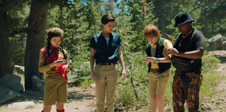 【Netflix・映画感想】「リム・オブ・ザ・ワールド」の魅力3個。エイリアンに立ち向かう4人の子供: 左から「ジェンジェン」「ガブリエル」「アレックス」「ダリウシュ」