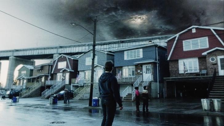 【感想】「宇宙戦争(2005)」の魅力6個。圧倒的な侵略者を前に、何ができるのか?: 嫌な予感全開の嵐