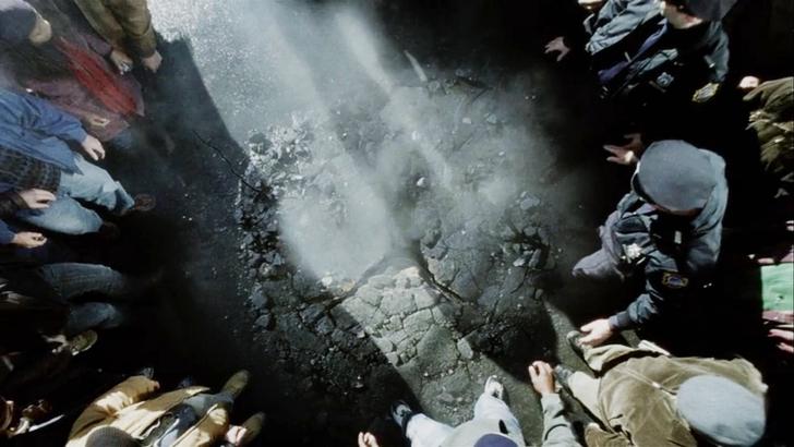 【感想】「宇宙戦争(2005)」の魅力6個。圧倒的な侵略者を前に、何ができるのか?: 演出から感じられる重厚感