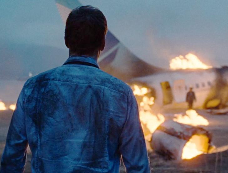 【感想】「パッセンジャーズ」の魅力4個。飛行機事故の意外な真実とは?